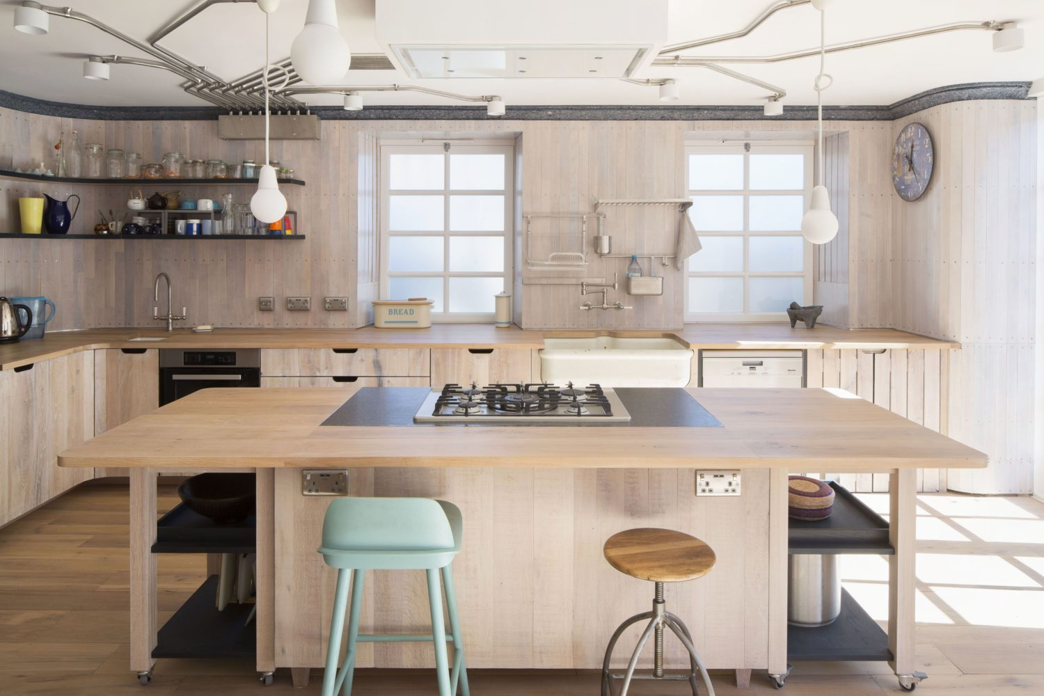 arboreal architecture-reuse flat-timberworks-_Kitchen island