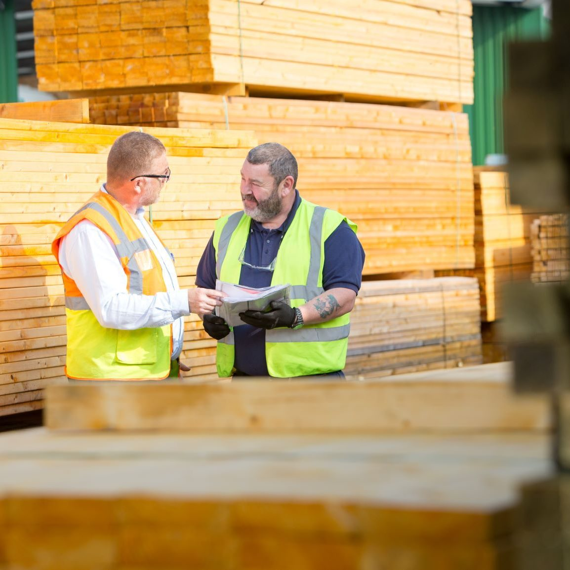 Donaldsons_Timber_packs_people_©McAteer - Compressed